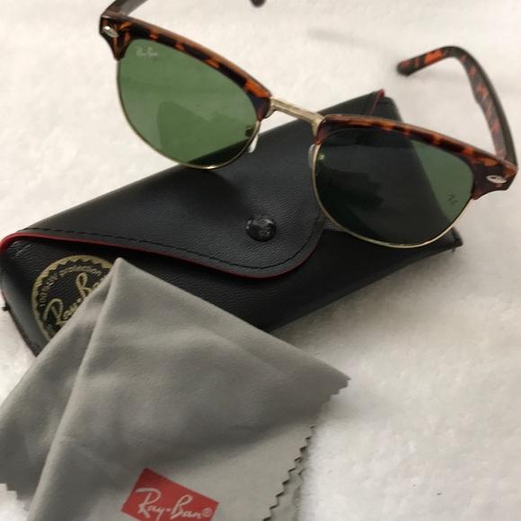 0093b95583 Women Ray Bans Sunglasses. M 5c0d35fd819e90a6ab7d3e8d